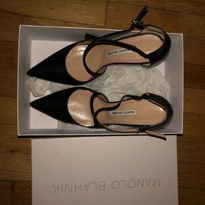 Manolo Blahnik Umice Black Leather Heels. Size 40